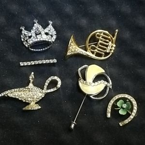 6 Vintage Brooches with Rhinestones